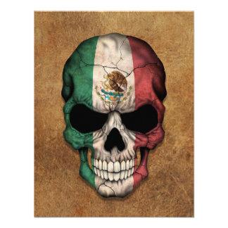 Cráneo envejecido y llevado de la bandera mexicana invitaciones personales