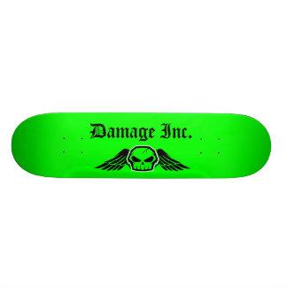 Cráneo Green Damage Inc. con las alas Monopatin