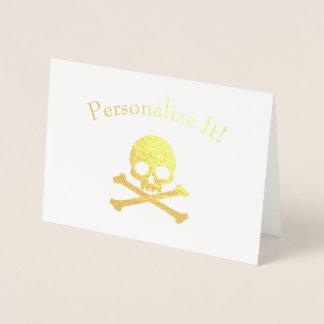 Cráneo personalizado y bandera pirata del efecto tarjeta con relieve metalizado