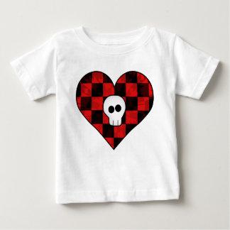 Cráneo punky lindo del gótico en corazón a cuadros camisetas