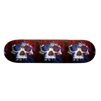 Cráneo rojo, blanco, y azul patineta personalizada