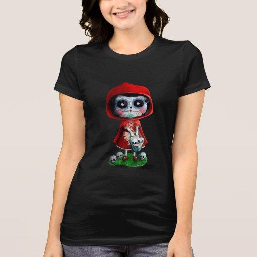 Cráneo rojo del azúcar de la capa con capucha camiseta