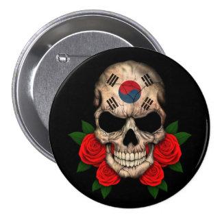 Cráneo surcoreano de la bandera con los rosas rojo chapa redonda de 7 cm