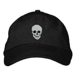Cráneo y bandera pirata gorras de béisbol bordadas