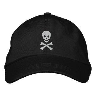 Cráneo y bandera pirata gorra de beisbol bordada