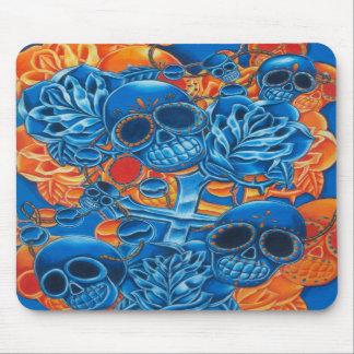 Cráneos azules y anaranjados alfombrillas de ratones