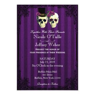 Cráneos púrpuras del novio de la novia que casan invitación 12,7 x 17,8 cm