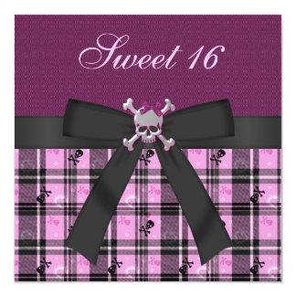 Cráneos y corazones lindos negro, púrpura y rosa invitación 13,3 cm x 13,3cm