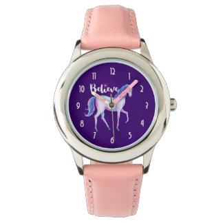 Crea con unicornio en acuarelas en colores pastel reloj