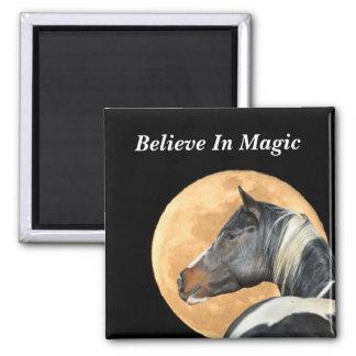 Crea en imán mágico con el caballo de la pintura y
