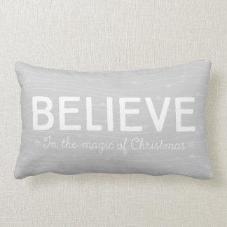 Crea en la magia del navidad • modelo gris cojín lumbar
