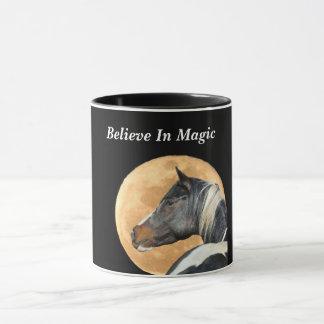 Crea en taza de café mágica con el caballo y la
