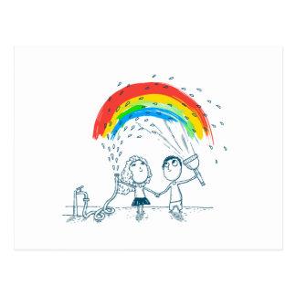 Creando el arco iris juntos ame los pares postal
