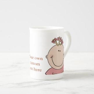 Cree su propia taza de la porcelana de hueso