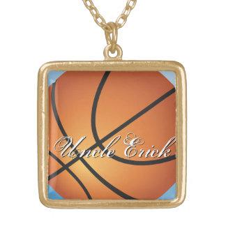 Cree su propio baloncesto de encargo del monograma collar dorado