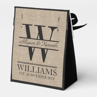 Cree su propio monograma del aniversario del caja para regalos