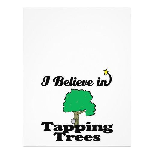 creo en árboles que golpean ligeramente flyer a todo color