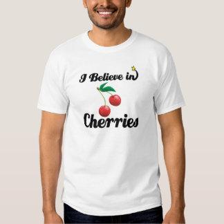 creo en cerezas camisetas