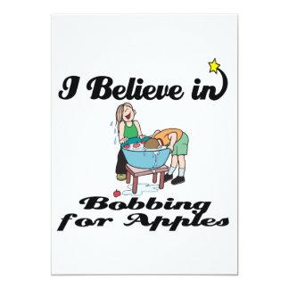 creo en el meneo para las manzanas invitación 12,7 x 17,8 cm