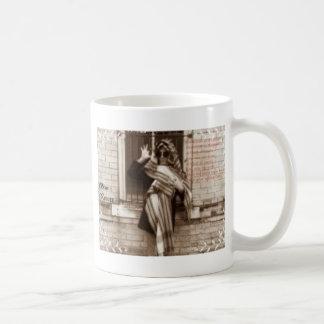 criminal en promo del disfraz tazas de café
