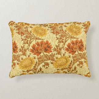 Crisantemos de William Morris, oro de la mostaza Cojín Decorativo