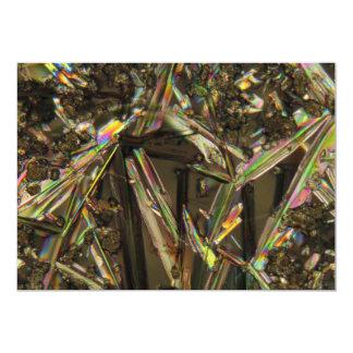 Cristales debajo del microscopio/del aluminato invitación 12,7 x 17,8 cm