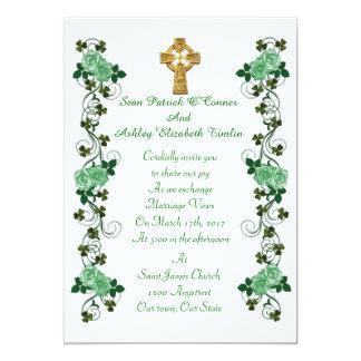 Cruz céltica de la invitación irlandesa del boda