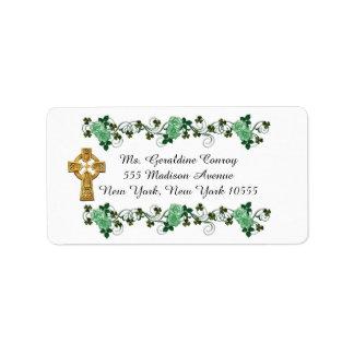 Cruz céltica irlandesa de las etiquetas de