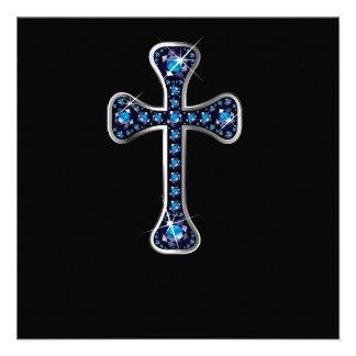 Cruz cristiana con las piedras del zafiro comunicado personal