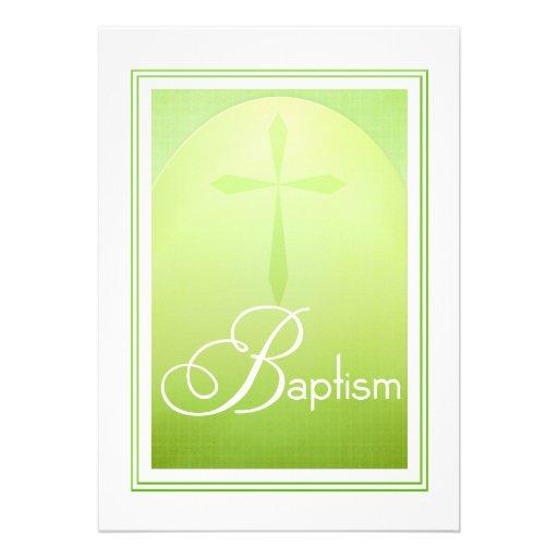 Cruz cristiana del bautismo en verde invitaciones personalizada