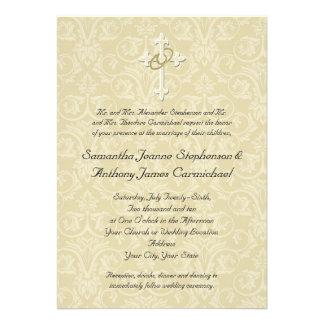 Cruz de oro de los anillos invitaciones cristiana