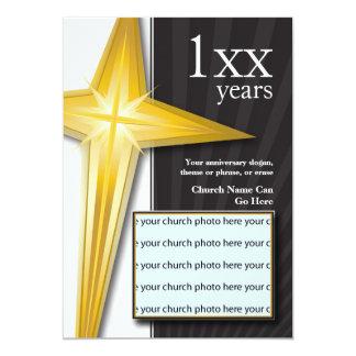 Cruz de oro del aniversario de la iglesia invitación 12,7 x 17,8 cm