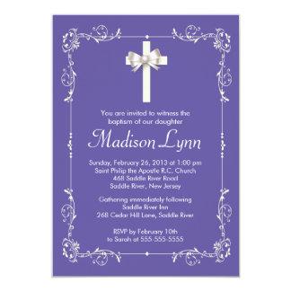 Cruz elegante del bautizo elegante púrpura del