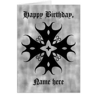 Cruz gótica linda en el cumpleaños gris a tarjeta de felicitación