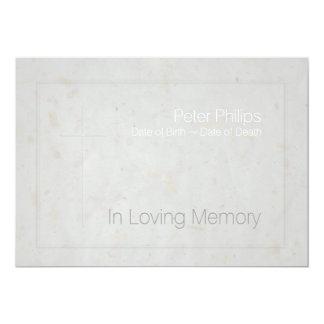 Cruz grabada en relieve memoria cariñosa 1 - invitación 12,7 x 17,8 cm