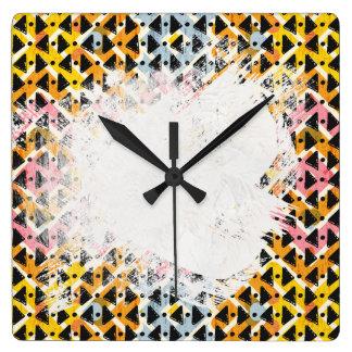 cruz modelada colorida de los criss de forma reloj cuadrado