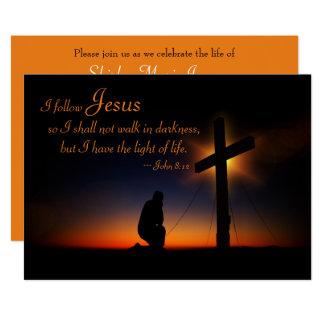 Cruz santa en la invitación de la ceremonia