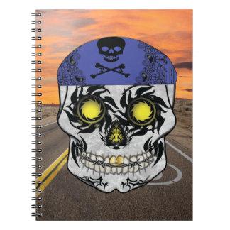 Cuaderno abandonado del cráneo del caramelo del