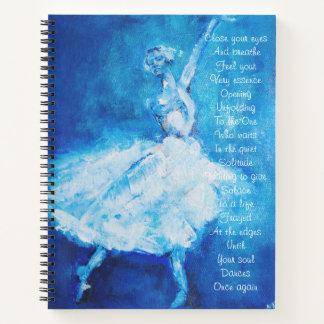 Cuaderno Bailarín en azul y blanco con poesía inspirada