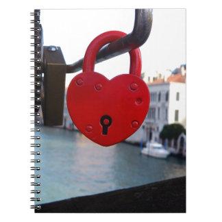 Cuaderno cerradura del amor en Venecia