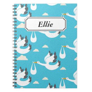 Cuaderno Cigüeñas lindas que llevan el modelo de los bebés