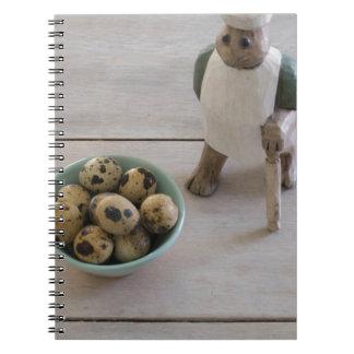 Cuaderno Conejito y huevos en un cuenco