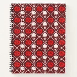Cuaderno cráneo y rosas