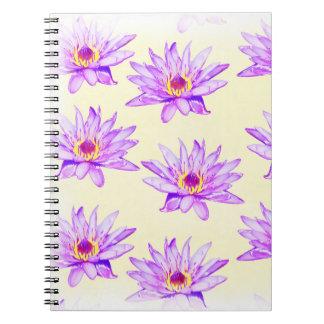 Cuaderno crema de las flores de loto manchada de tinta