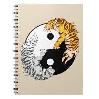 Cuaderno de la foto de los tigres de Yin y de Yang