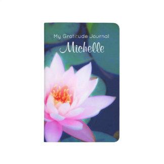 Cuaderno De Viaje Gratitud de encargo con el lirio de agua rosado