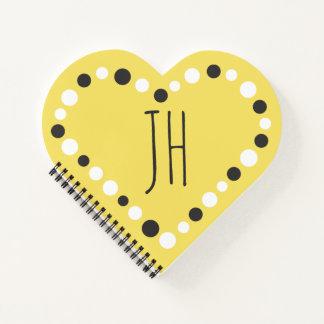 Cuaderno del amarillo del corazón del lunar del
