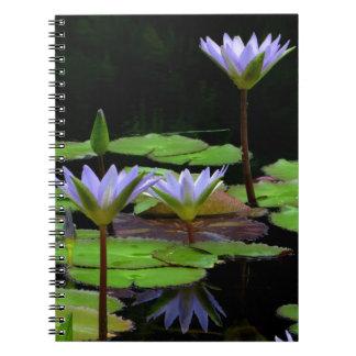 Cuaderno/diario personal - lirios de agua púrpuras libreta espiral