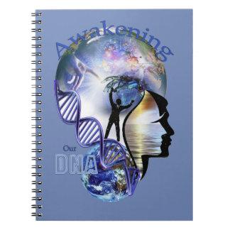 Cuaderno DNA que despierta diseño