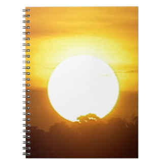 Cuaderno el kground añade la puesta del sol CONOCIDA de la